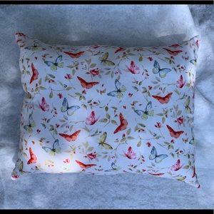 New 2 Beautiful Romance Throw Pillows Set